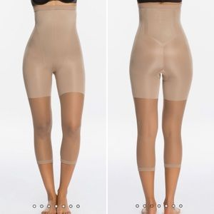 NWOT Hanes High Waist Capri Shape-Wear